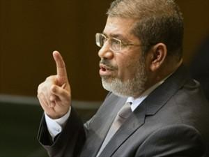 morsi-sticks-by-disputed-decree