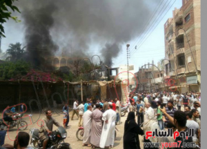 brotherhood burned the egyptian poor vendors shops in the streets in egypt 16 august 2013